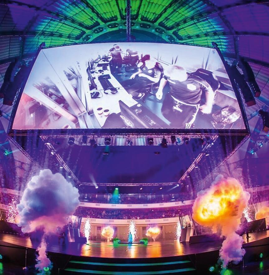 Viele Künstler inszenieren aufwendige Bühnenshows, um für ihr Publikum attraktiv zu bleiben. / Fotos: DLP-Motive